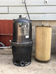 Pool Filter and 2 Filter Cartridges