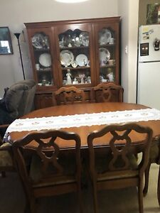 Antique Dinning Table with 6 matching chairs
