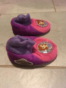 Girls size 5/6 slippers