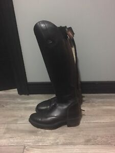 Reduced!!Field boots mountain horse size 9