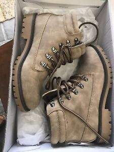 Women's Taupe Boots - Size 6