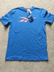 Reebok brand youth large t-shirt ( age 13-16 yrs.)