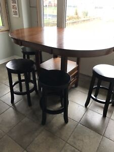 Round Wood table with leaf and four stools