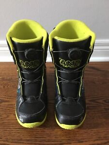 Men's snowboarding boots - size 5