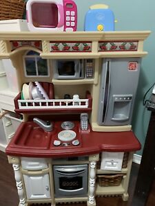 Step 2 toy kitchen and food toys