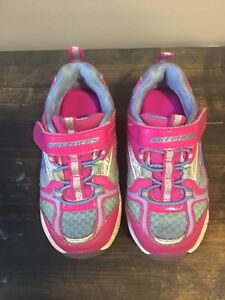 Sketchers Girls Toddler Shoes size 7 (fit like size 5)