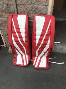 CCM Extreme Flex III Custom Goalie Set Right Catch