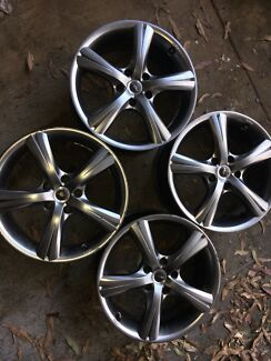 Holden commodore rims