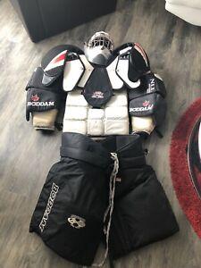 Men's goalie lacrosse equipment