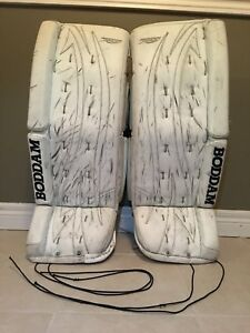 "Boddam Refuze 28 + 1"" Made in Canada goalie pads"