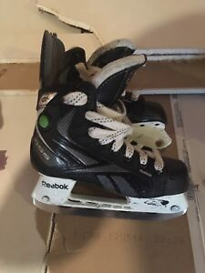 Kids hockey skates size 1