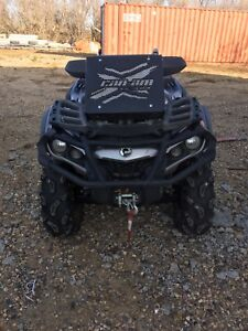 Can am outlander 4x4 quad