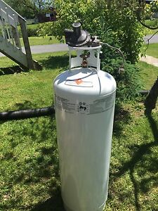100 lb propane tank with regulator