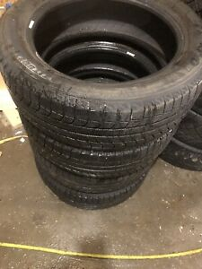 Michelin Lattitude X-Ice 235/55R19