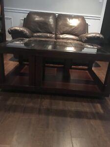 Table de salon en bois et verre