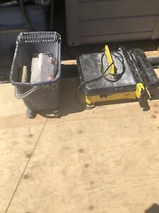 Tile saw & cleaning bucket