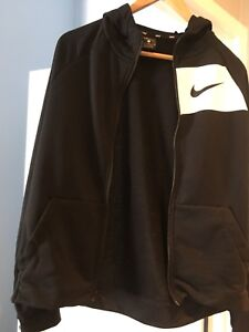 Nike brand new youth xl sweater