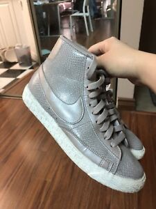 Nike shoes brand-new
