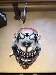 Olie goalie mask senior small