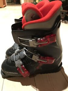Youth ski boots size 23.5(5 1/2)