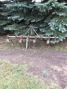 3PT CULT, LAND LEVLER, STEEL BOX, 18.4x 34 CHAINS