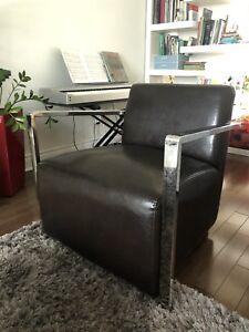 Chaise en cuir Germain Larivière