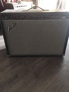 Fender Ultra Chorus Amplifier