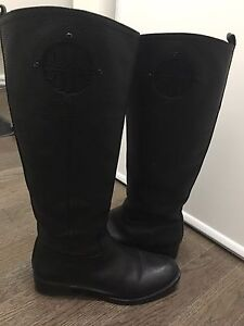 Tory burch riding boots in black