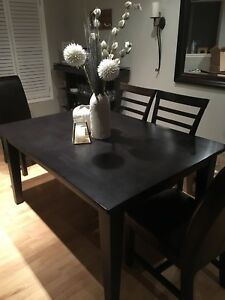 Beautiful Woodcraft Dining Room Table