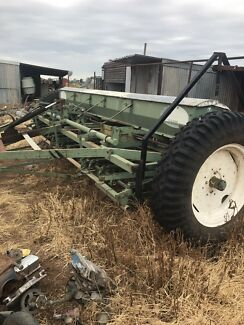 Wanted: John Shearer 28 run Combine seeder