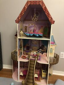 New doll house for sale