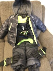 Size 5 Boys snowsuit with gloves and a hat