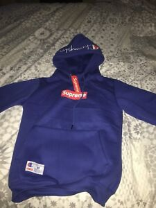 Selling supreme / champion hoodie