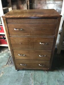 Chest of drawers/dresser