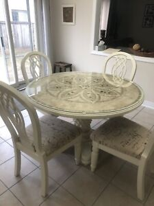 """47"""" Dining Table and 4 Chairs"""