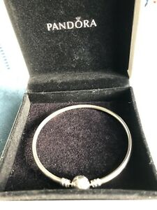 PANDORA BANGLE NEW NEVER WORN