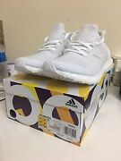 Adidas ultra boost triple white size 9 Bentleigh East Glen Eira Area Preview
