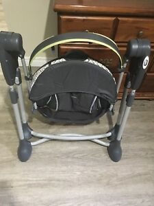 Graco Swing By Me Portable 2-1 baby Swing