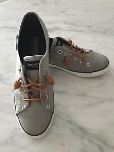 SPERRY SEACOAST SHOES-EXCELLENT CONDITION!