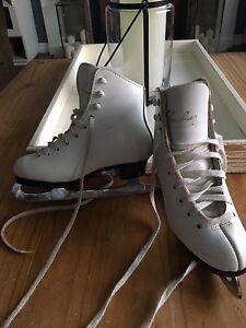 Girls figure skates size 12.5