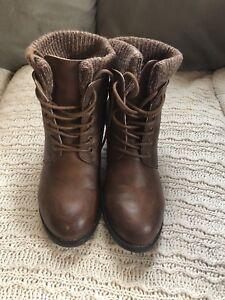 Ardene's Women's boots (20, obo)