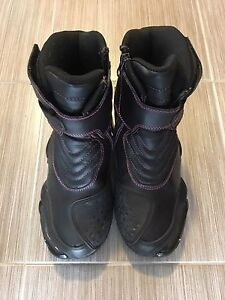 Ladies motorcycle boots -Altimate