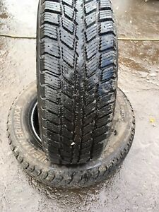 215/65R16 98T WeatherMaxx Arctic Winter WS321 - 2 Used Tires