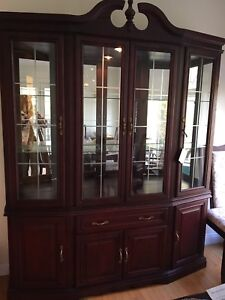 Buffet and lighted hutch - perfect condition