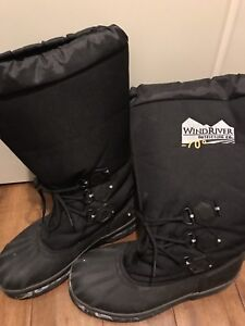 Wind river winter boots. Lightly used