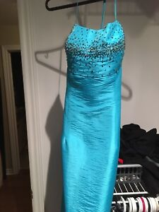 Robe turquoise de bal small