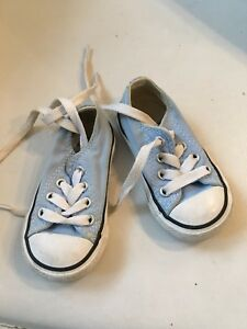Size 4T converse
