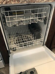 Whirlpool dishwasher BRAND NEW WITH MANUALS