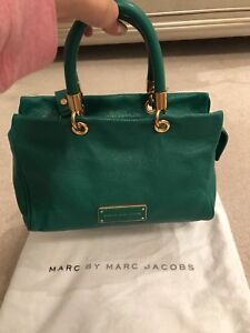 MARC JACOBS HANDBAG (AUTHENTIC AND BRAND NEW)
