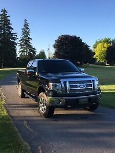 2010 Ford F150 LARIAT MINT